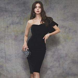 Cinderella's Closet - Single-Sleeve Velvet Bustier Evening Dress