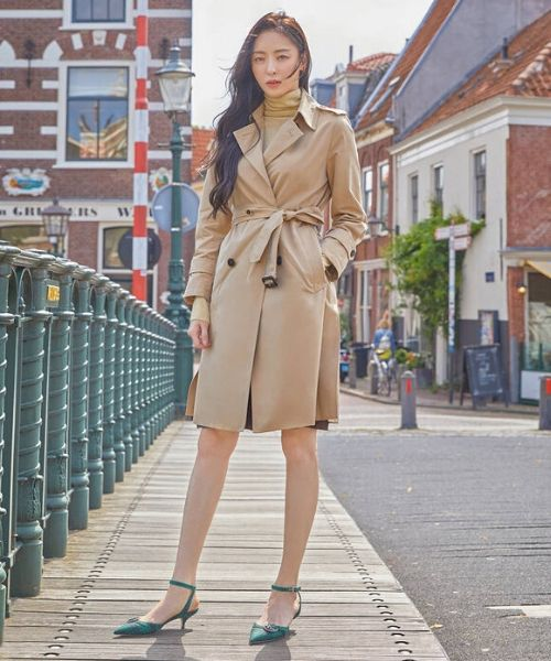 Lee Da-hee Grazia Magazine Cover Belted Trench Coat