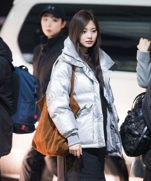 Tzuyu TWICE Airport Fashion Shoulder Tote Bag